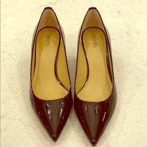 Michael Kors black potent kitten heels size 9M